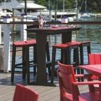 Barstühle und Essmöbel aus umweltfreundlichem Poly-Holz, erhältlich in 18 Farben, im Jachtclub