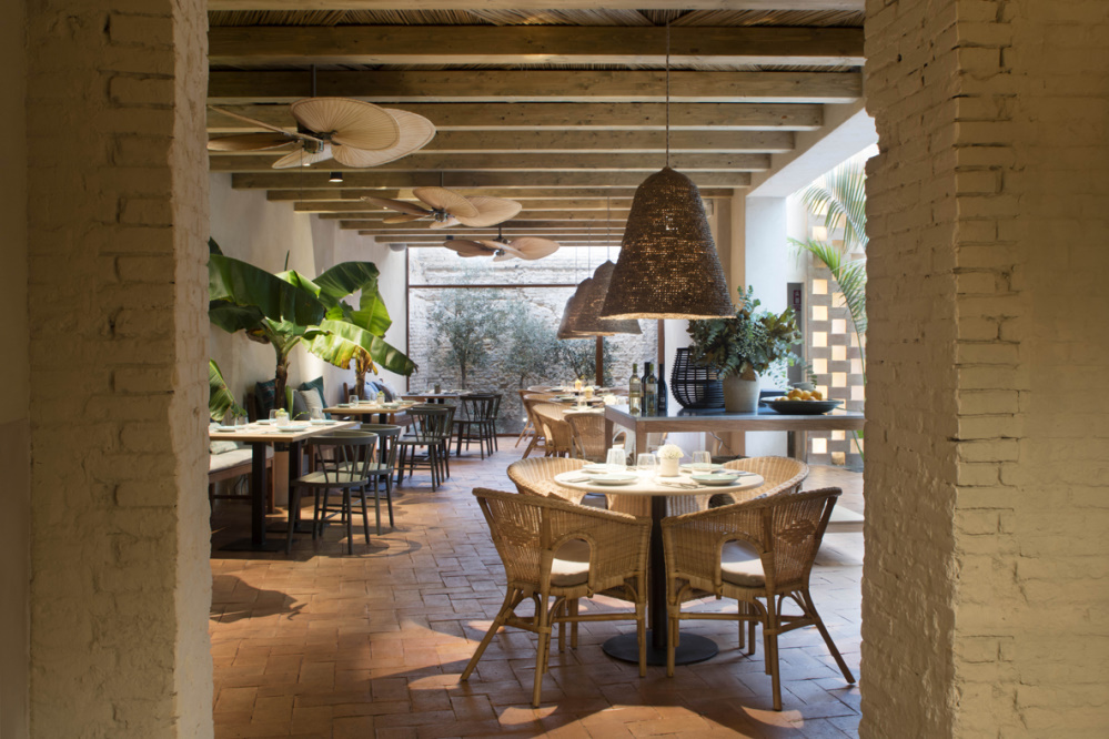 Outdoor furniture and ceiling fans in unlimited variations for islander ceiling fan antique brass finish with natural palm leaf in tropical colonial aloadofball Image collections