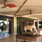 Treventi ventilador de techo, de estílo tropical-colonial, marrón óxido con aspas talladas de madera